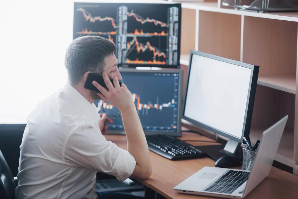 corretor de bolsa de valores