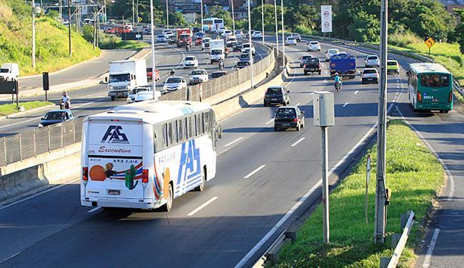 Acidente na BR-324 deixa quatro feridos em Salvador