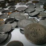 Sonhar com moeda antiga